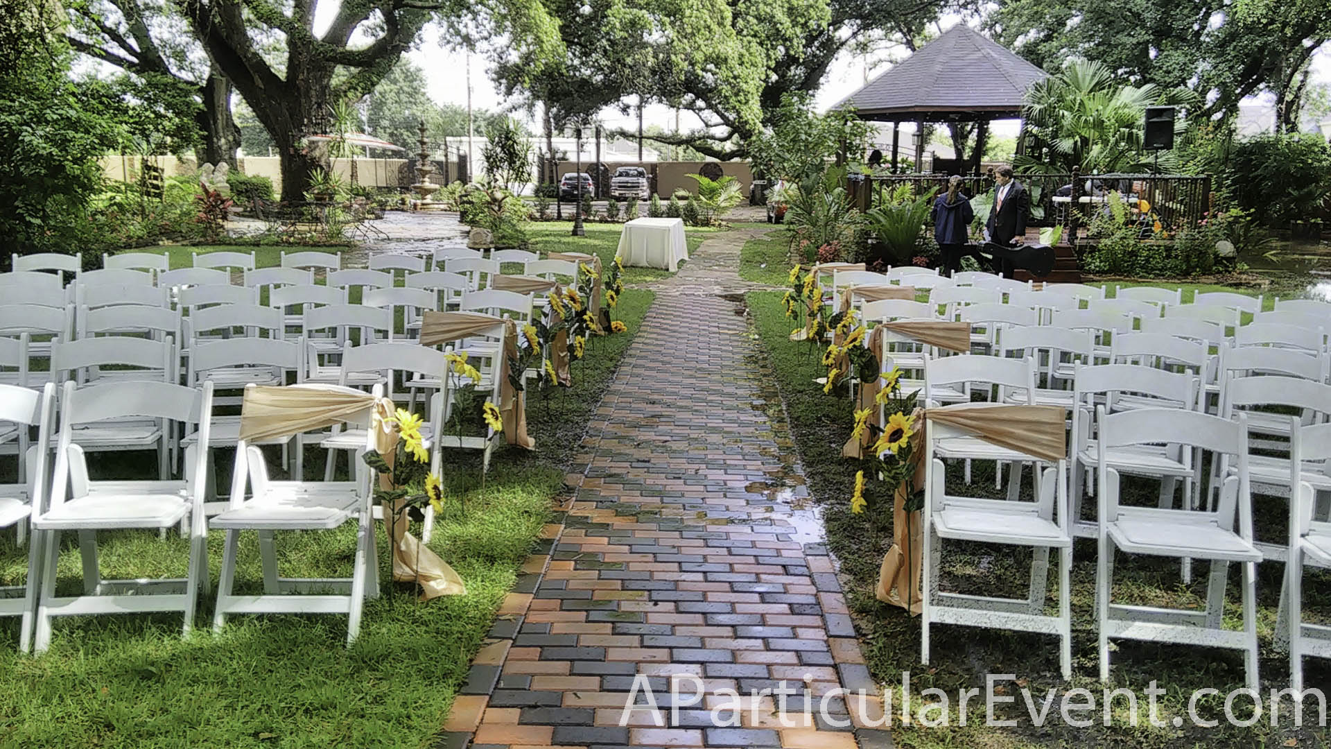 Oak Tree Spring TX Wedding By A Particular Event